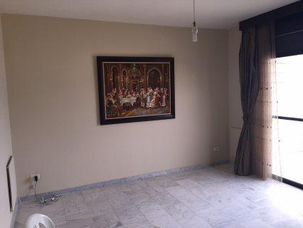 شقة لقطة كاشفة ومطلة للبيع في بيروت