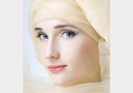إمرأة متدينة ميسورة الحال جميلة وعلى خلق