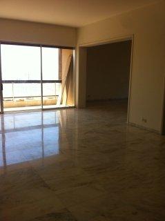 شقة للايجار منطقة فردان في راس بيروت