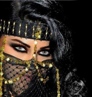 انا شابة لبنانية جادة - محترمة - أرغب فى الاستقرار