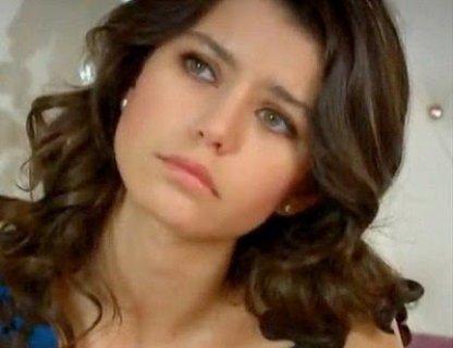 انا لبنانية انيقة المظهر وجميلة ابحث عن زوج شرقي اصيل