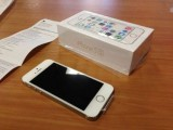 Apple Iphone 5s white and Gold